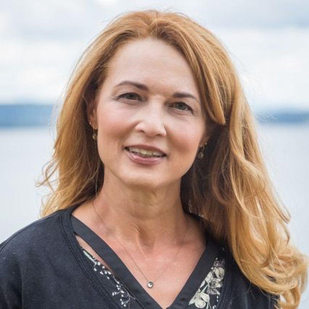 Eve-Marie Février Bekiri